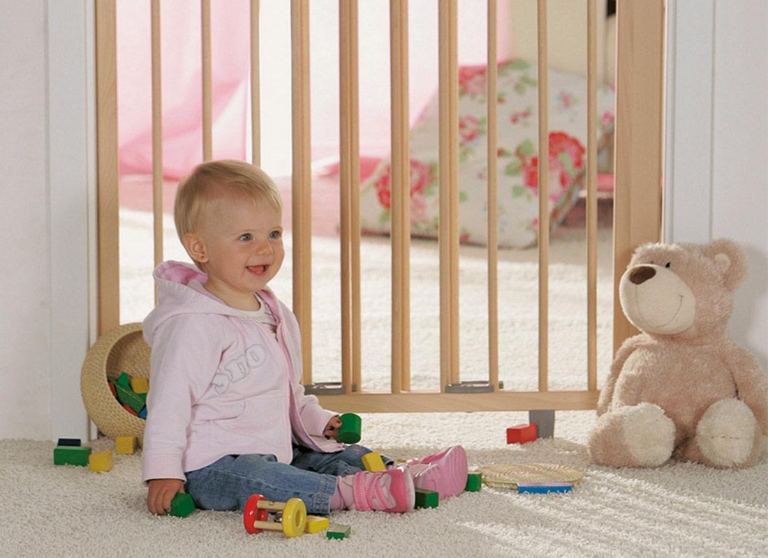 sicherheit f r kleinkinder welches schutzgitter ist das richtige magazin. Black Bedroom Furniture Sets. Home Design Ideas