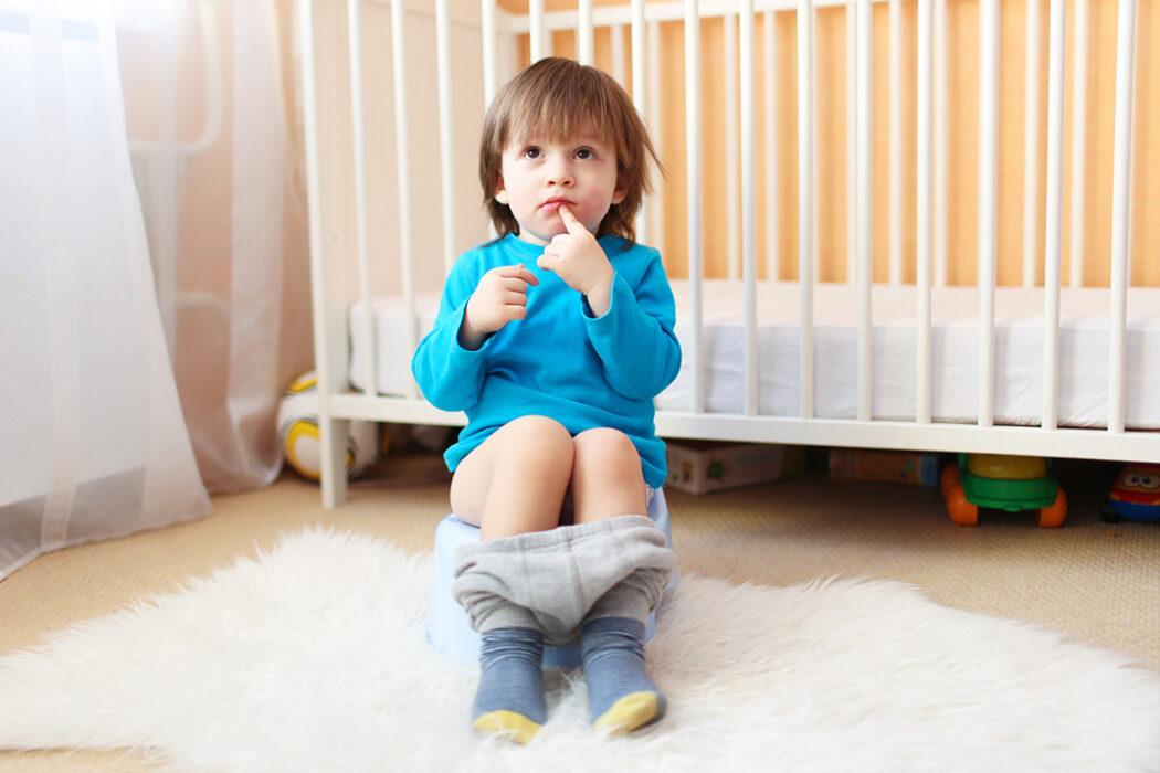 Kind braucht keine Windel mehr Kind bereit fürs Töpfchen
