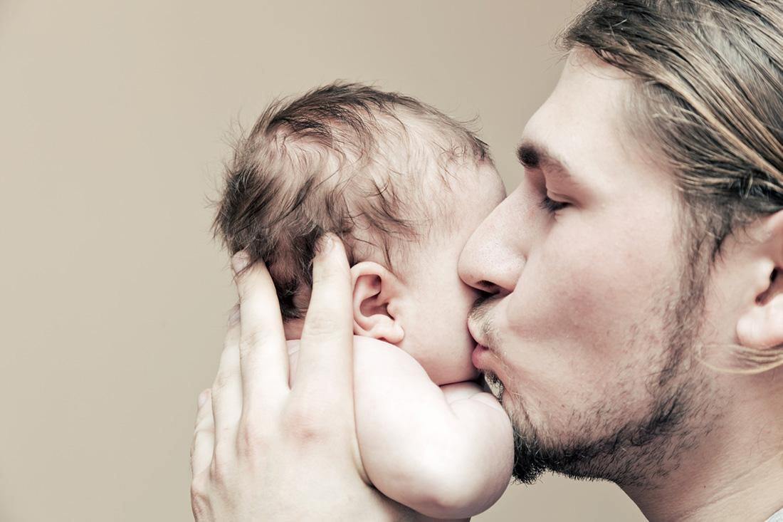 Italienischer Papa Und Sein Kleines Baby
