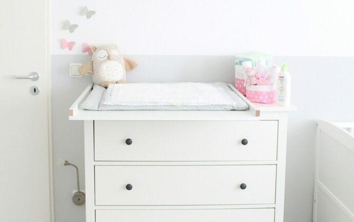Wickeltisch einrichten Wickelplatz Wickelkommode Babyzimmer