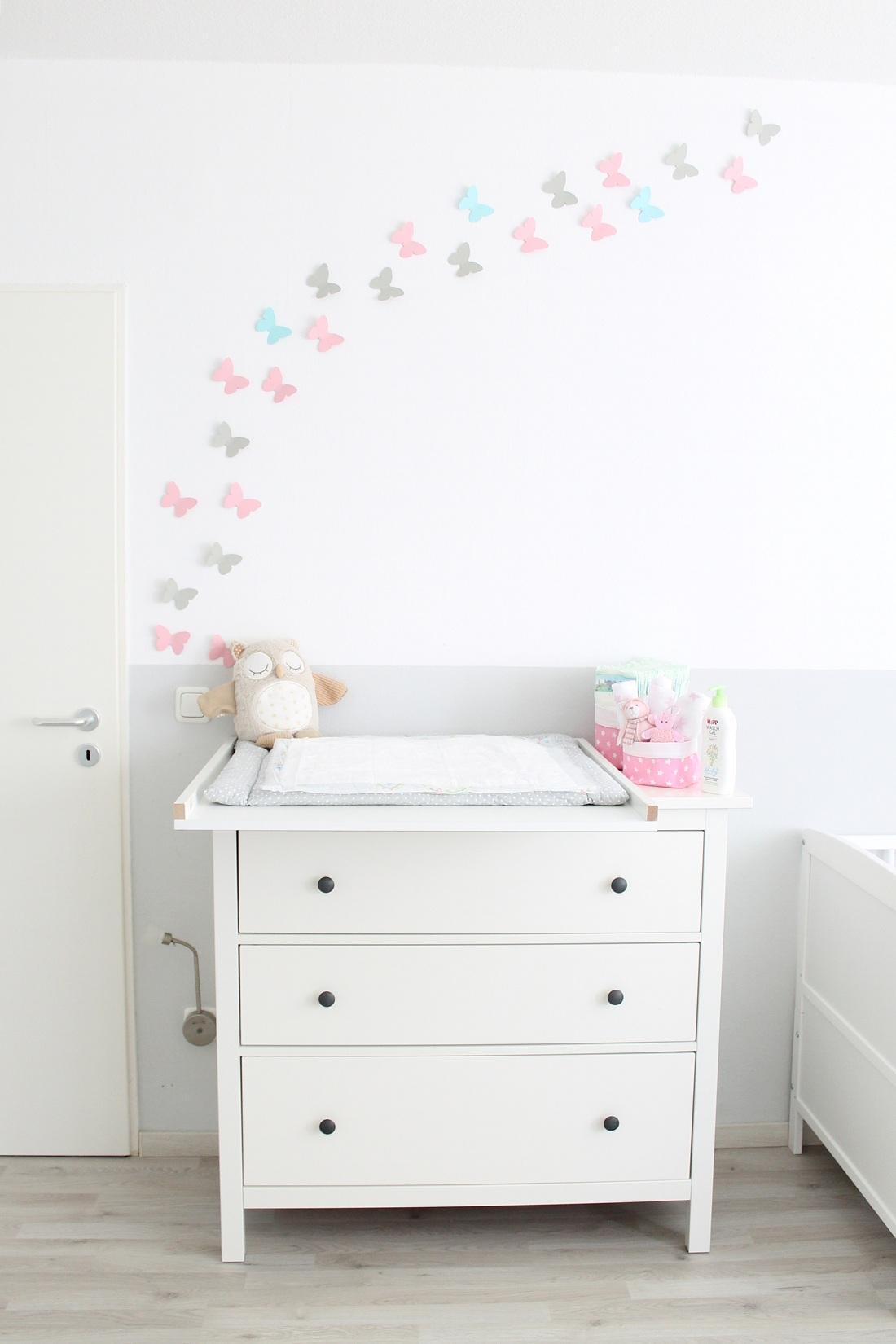 5 tipps f r den wickeltisch magazin. Black Bedroom Furniture Sets. Home Design Ideas
