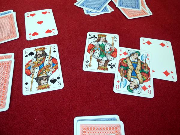 Kartenspiel: Ritter und Barbar - Stechen