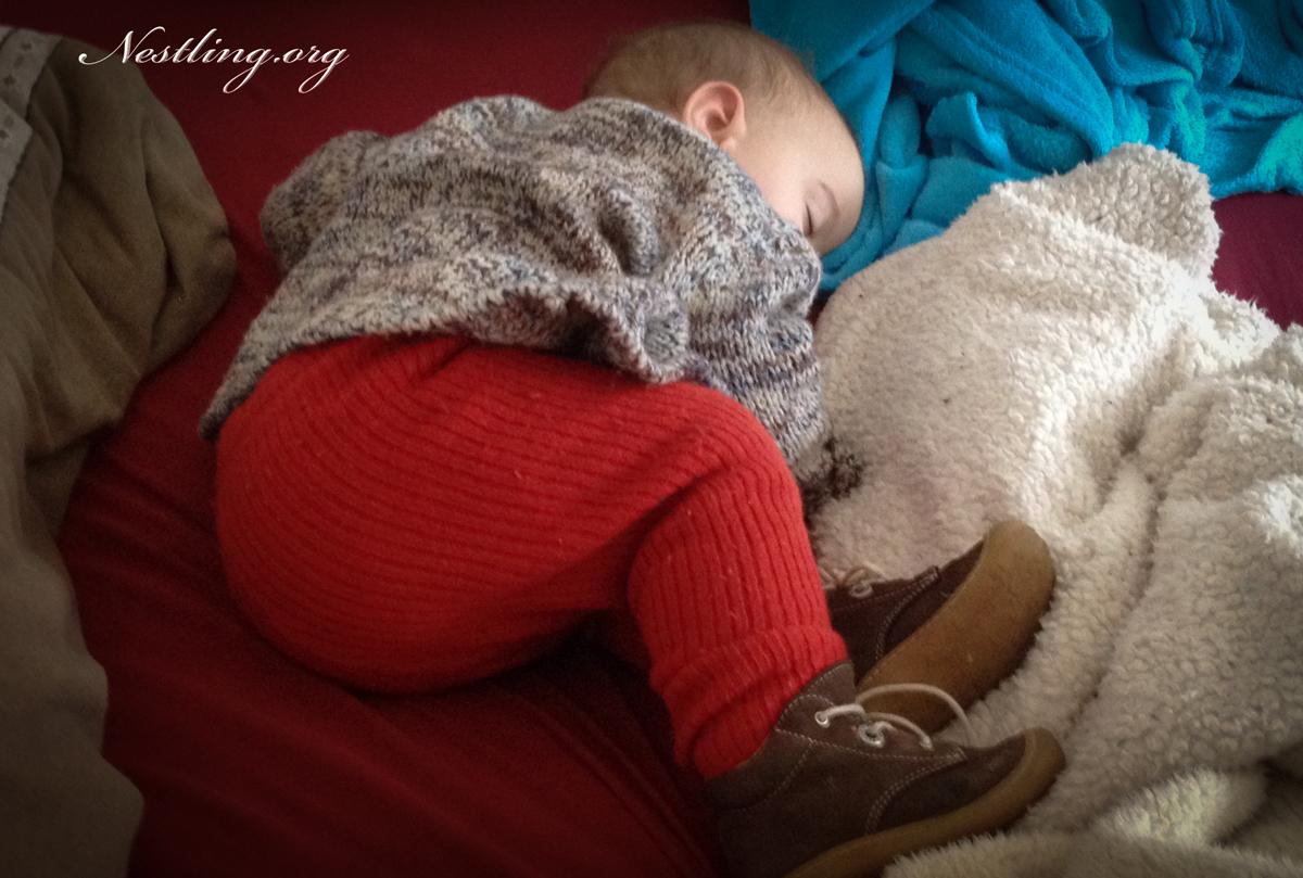 fr hliche schlaflosigkeit beim baby 11 monate. Black Bedroom Furniture Sets. Home Design Ideas