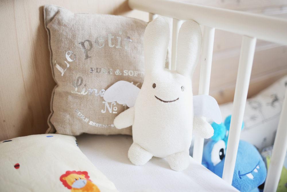 erholsamer und sicherer schlaf f r mein kind wie und worin schl ft es sich am besten. Black Bedroom Furniture Sets. Home Design Ideas