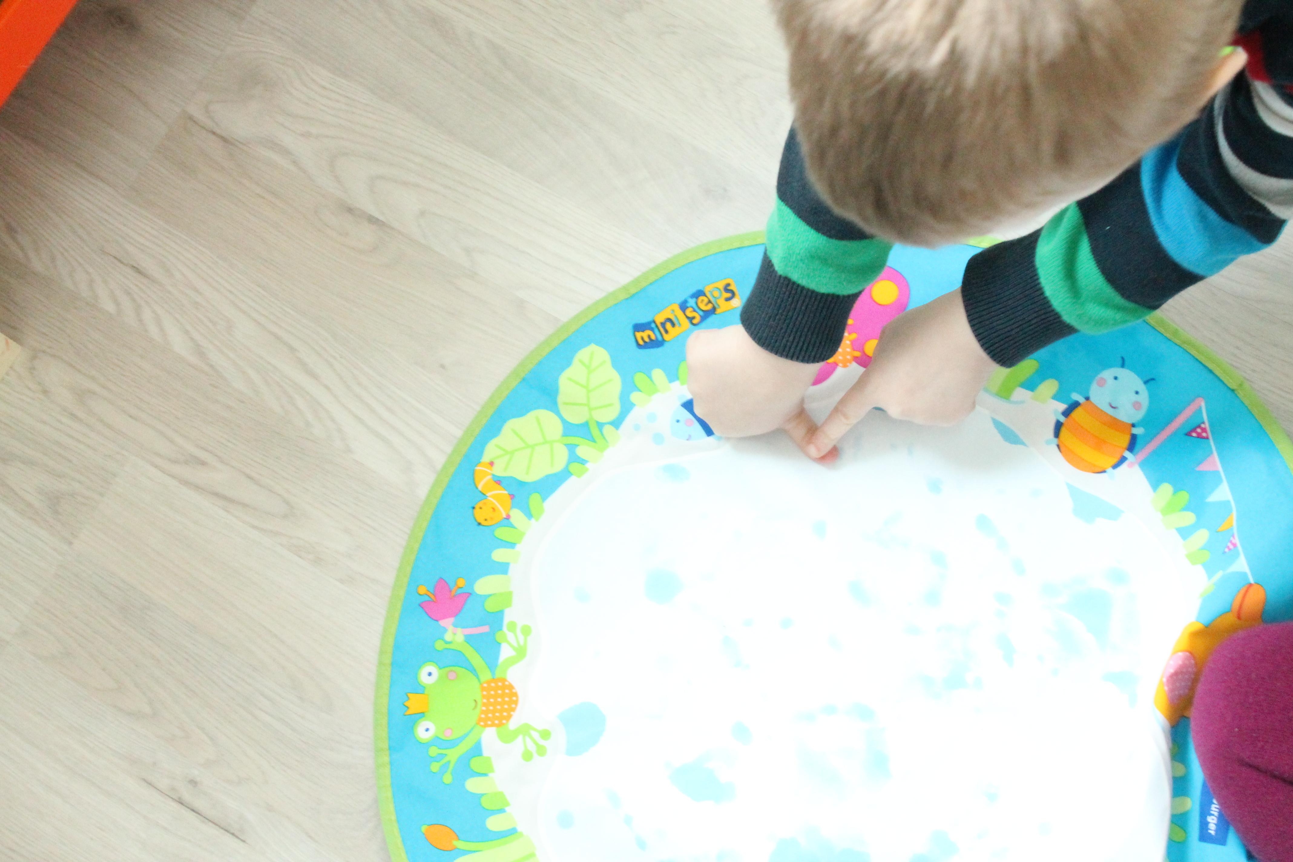 Fingerabdrücke mit dem Aqua Doodle Baby