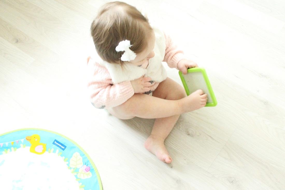 Fußabdrücke mit dem Aqua Doodle Baby