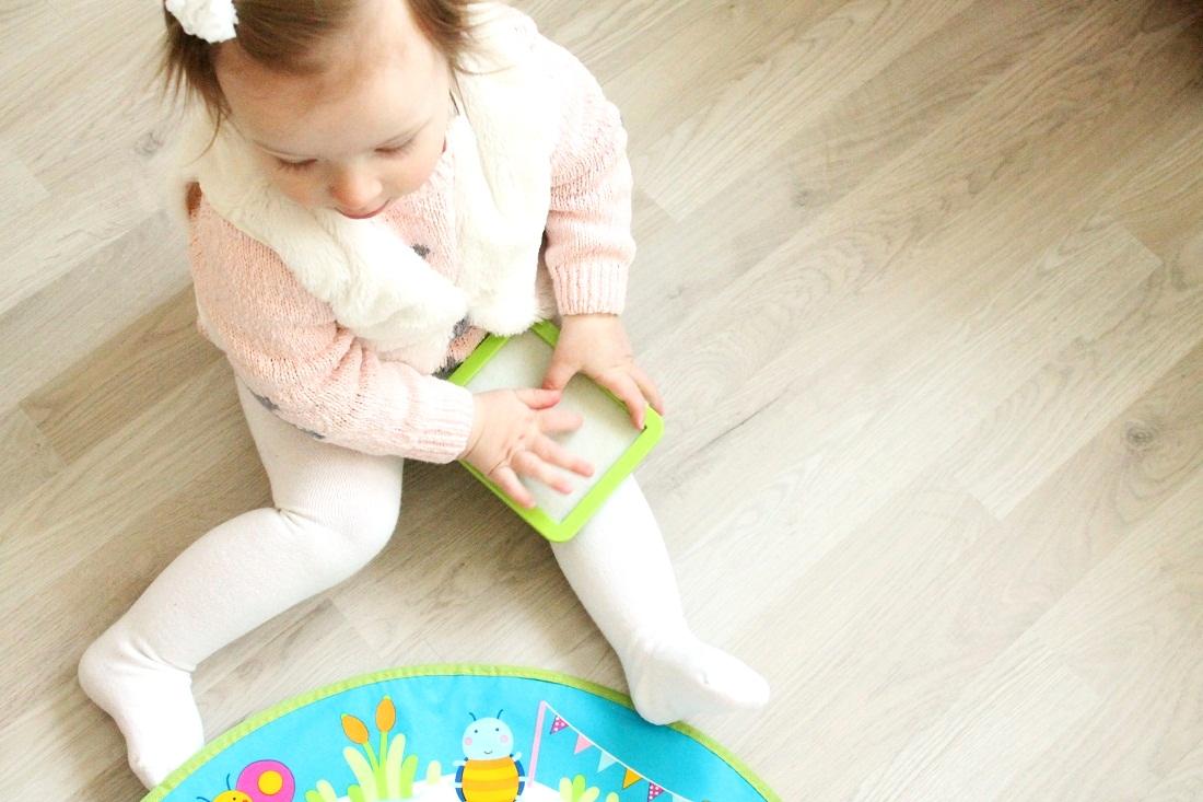 Hand- und Fußsabdrücke mit Aqua Doodle Baby