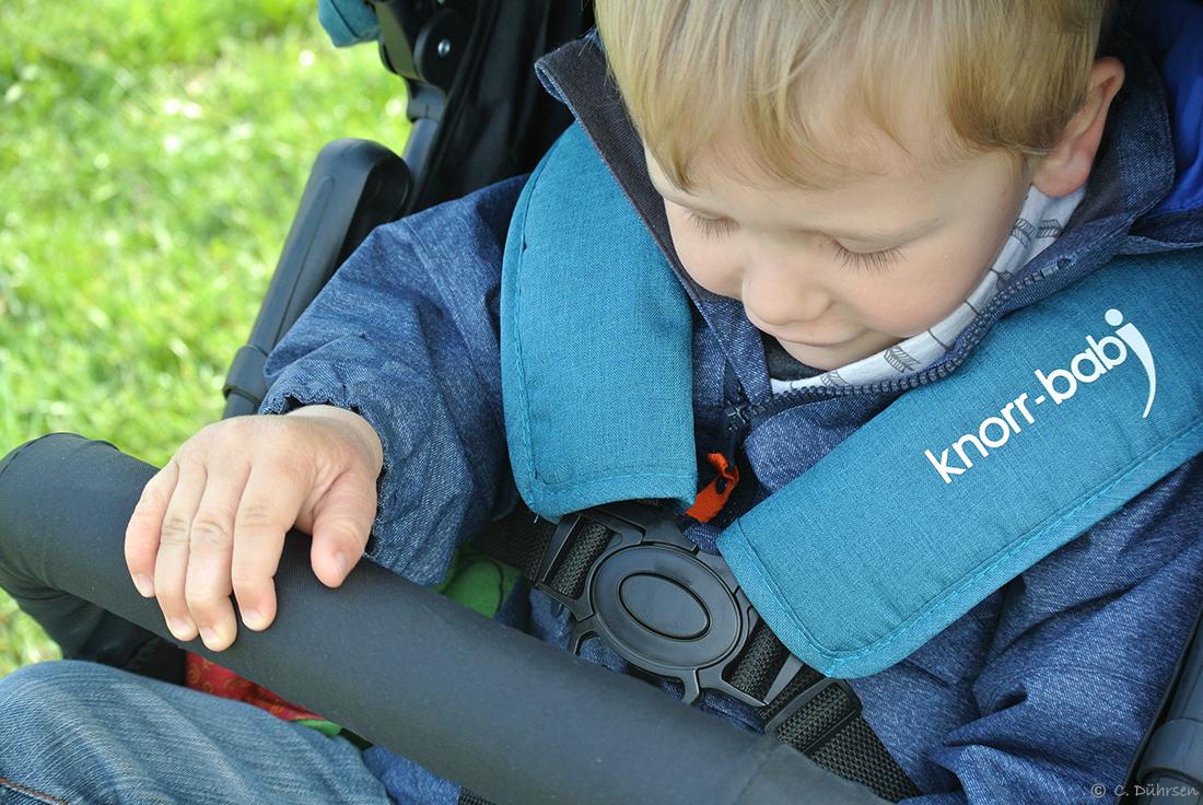 5 Punkt Gurt und Spielbügel am Knorr Baby Joggy S im Test
