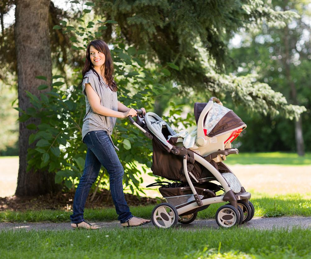 babyschale tragetuch kinderwagen wie transportiere ich mein baby richtig. Black Bedroom Furniture Sets. Home Design Ideas