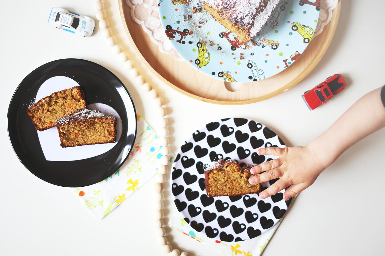 Lieblingsessen-Kinder-Backen-Kochen-Kleinkind-Rezept-Rübli-Apfel-Kuchen-mama-talk-Life-with-kids-Mamablogger-Momblogger-Momlife