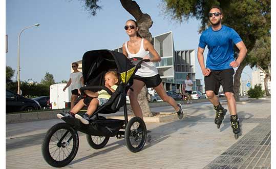 mit welchem kinderwagen kann man joggen gehen. Black Bedroom Furniture Sets. Home Design Ideas