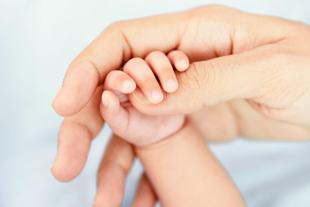 Baby 1 x 1: Greifen lernen