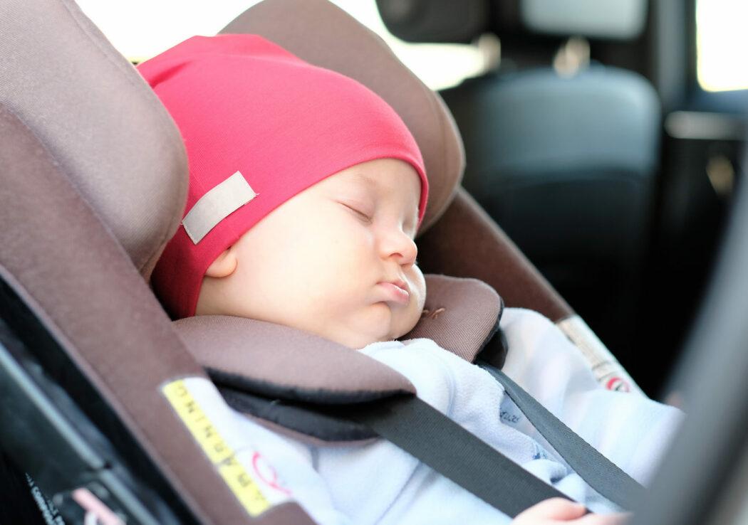 Spiegel Auto Baby : Entspannt autofahren mit baby tipps babyartikel magazin