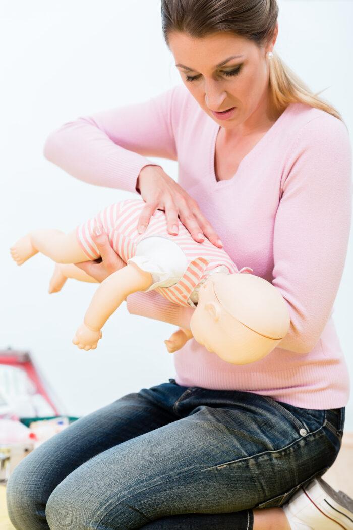 Baby led weaning verschlucken, Baby hat sich verschluckt 1. Hilfe