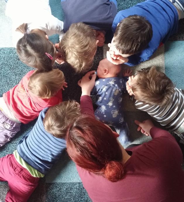 kinderreiche Familie sieben Kinder