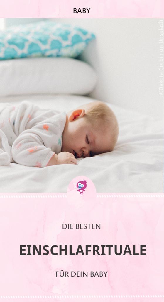 Warum Einschlafrituale für Dein Baby so wichtig sind und welche Rituale auch Deinem Baby beim Einschlafen helfen können, erkläre ich Dir hier. #baby #schlafen