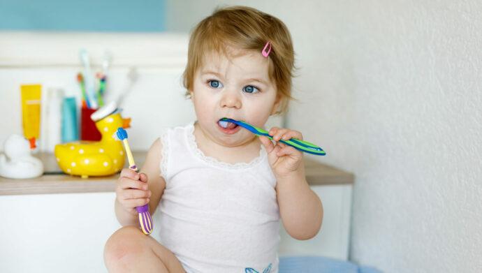 baby fluorid, fluor, d-fluoretten oder kinderzahnpasta, zahnpasta für babys ohne fluorid