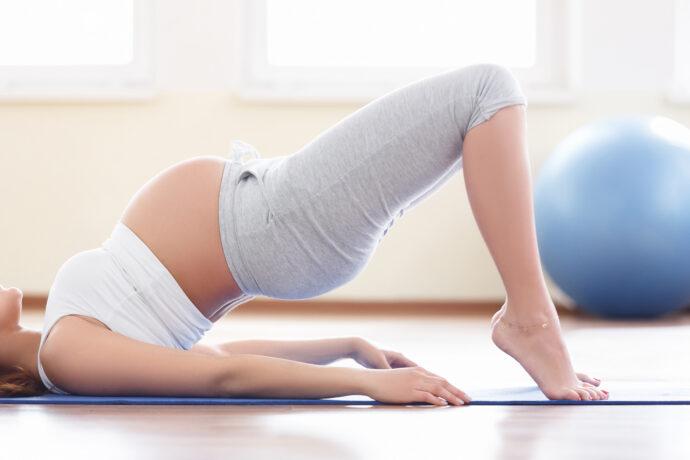 Beckenbodentraining schwangerschaft beckenboden übungen schwanger yoga inkontinenz beckenboden anspannen entspannen rückbildung