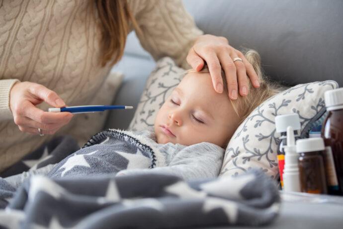 berufstätig krankes kind krank kinderkrankengeld arbeitgeber krankenkasse lohnfortzahlung