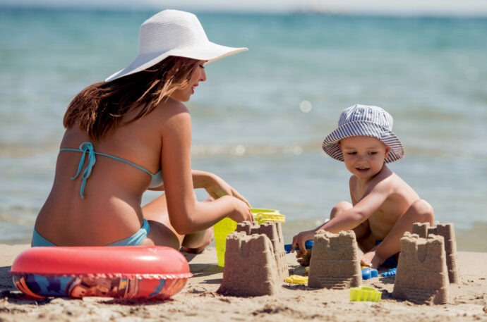 Strand-Tag mit Kindern, Kleinkind Strand, Baby Strand Meer Urlaub