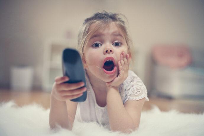 Wie lange darf ein Kind fernsehen, Kinder fernsehen