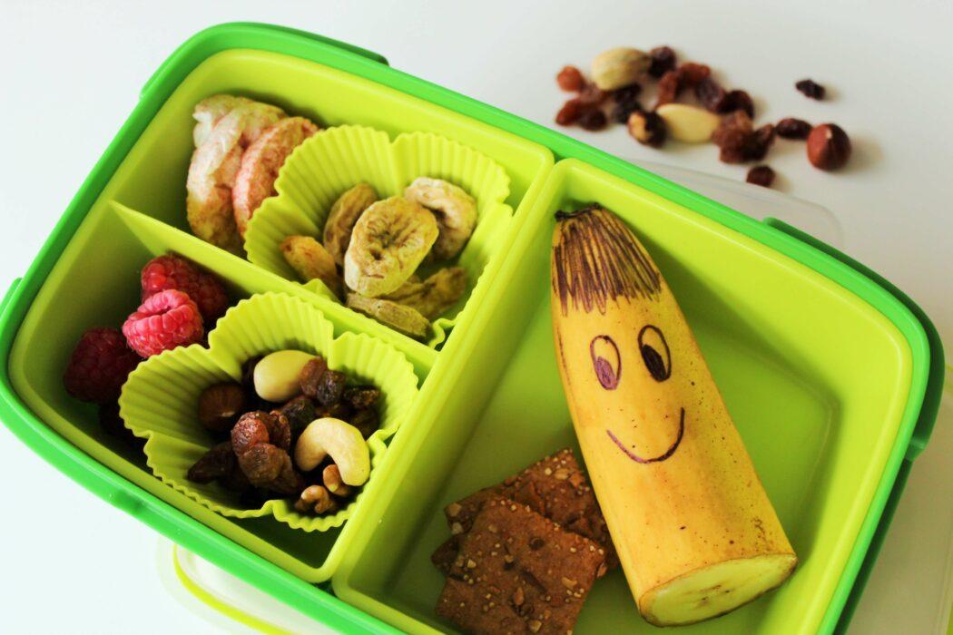ideen brotzeitbox, gesundes frühstück brotzeit kindergarten kita, inspirationen brotdose frühstücksbox, gesunde ernährung kleinkind rezept