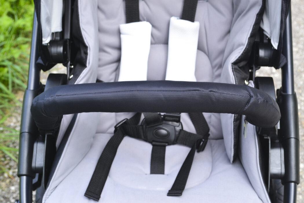 Hauck Saturn R Test Schutzbügel und 5-Punkt-Gurt Kinderwagen Test