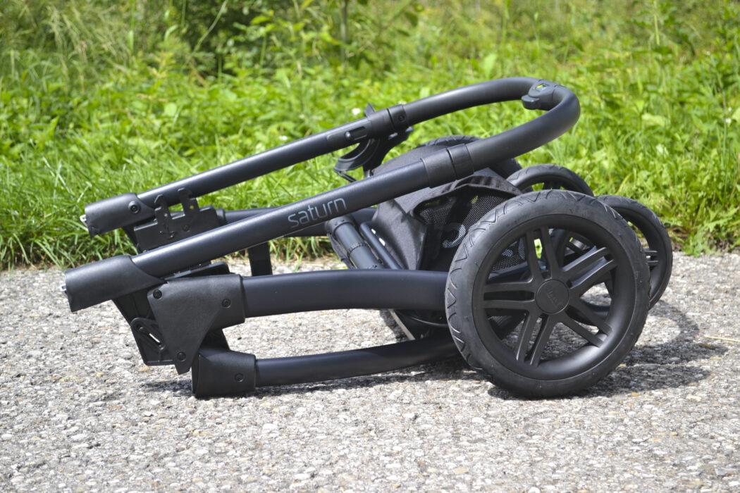 Hauck Saturn R zusammenklappen - Kinderwagen Hauck Saturn R Gestell zusammengeklappt