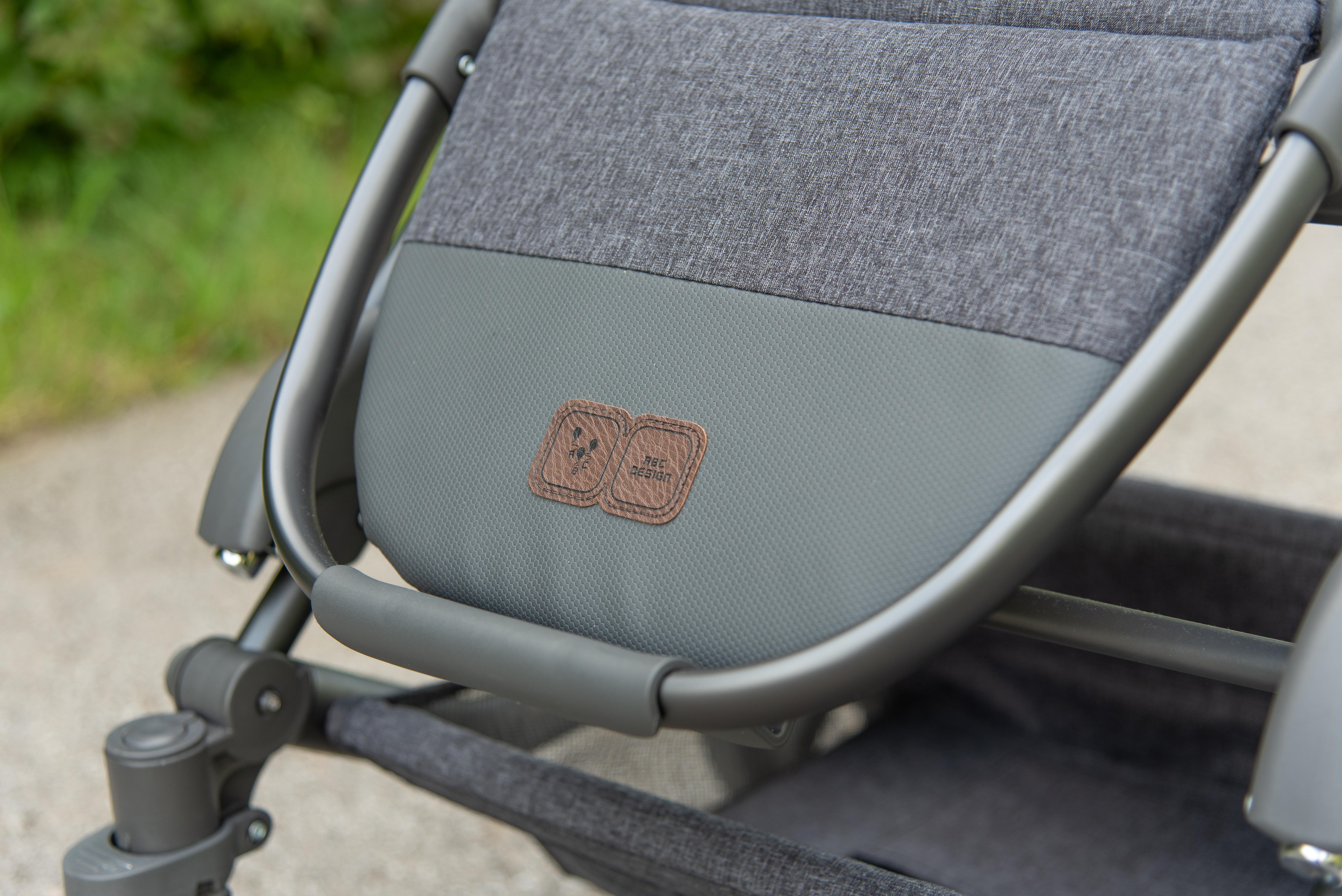 Condor 4 Kombi-Kinderwagen: Sportsitz mit gummierter Fußstütze