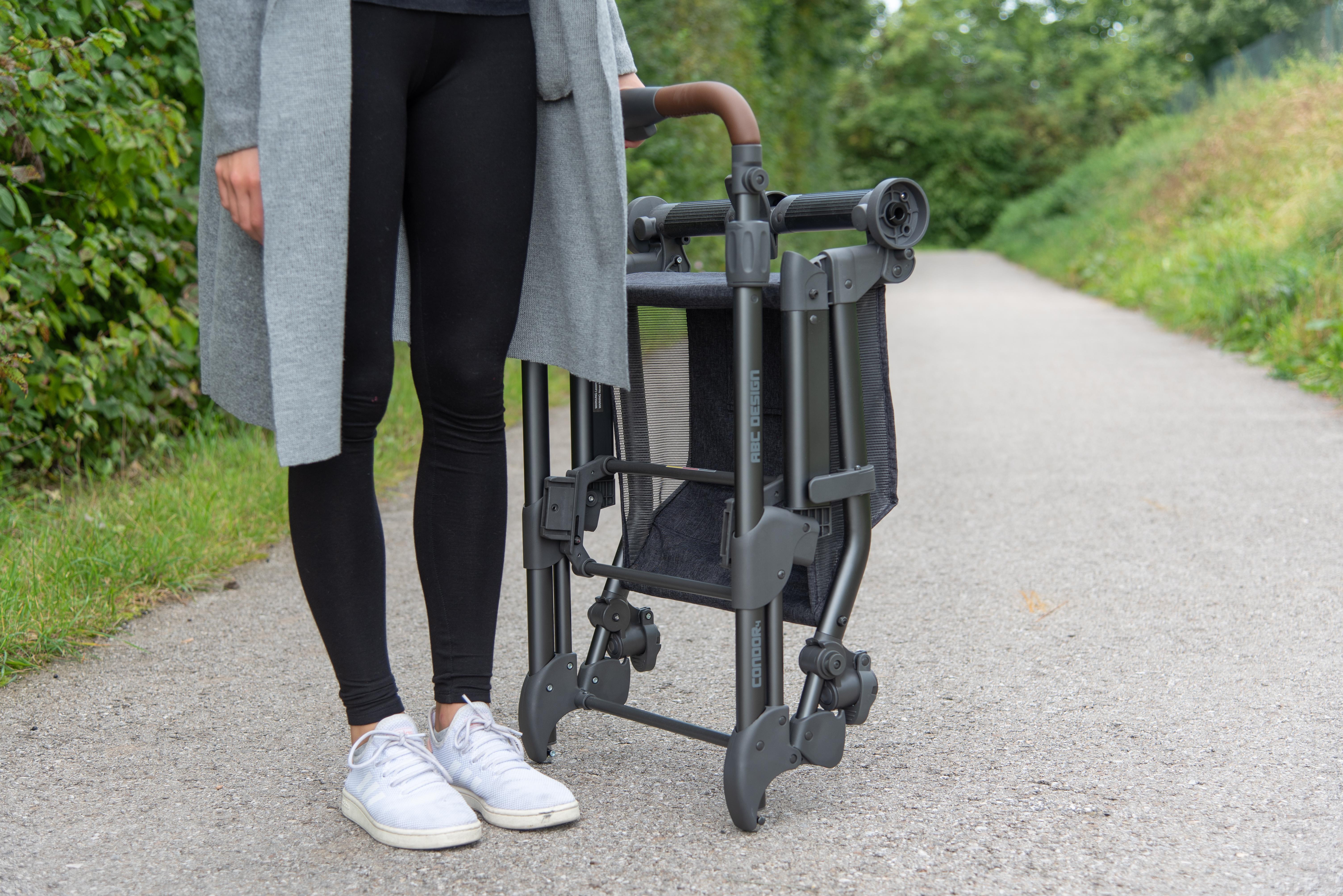 ABC Design Condor 4 Kombi-Kinderwagen: zusammengeklapptes Gestell ohne Räder