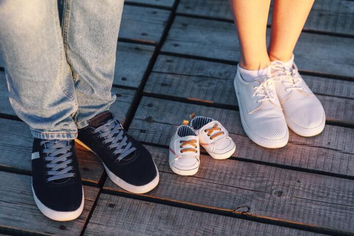 schwanger bekanntgeben schuhe familie