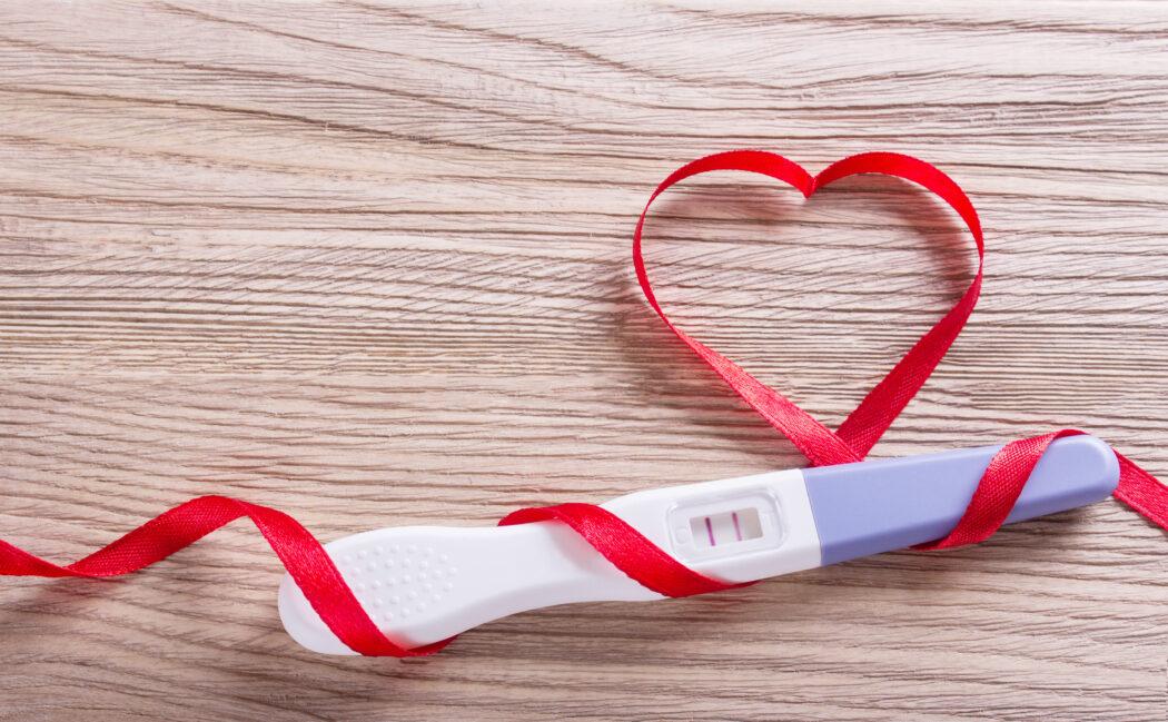 schwangerschaft bekanntgeben flatlay