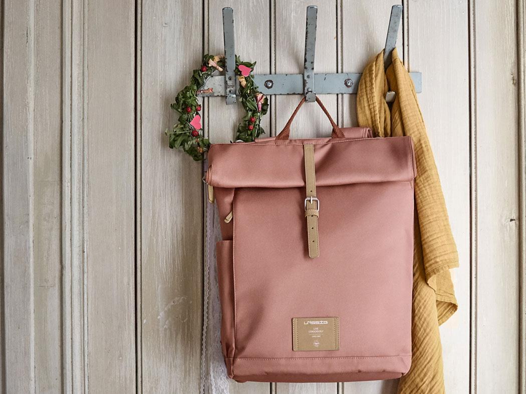 Lässig Wickelrucksack Green Label Rolltop Backpack - Cinnamon nachhaltig vegan Wickeltasche rosa