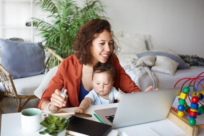 home office mit kind und baby