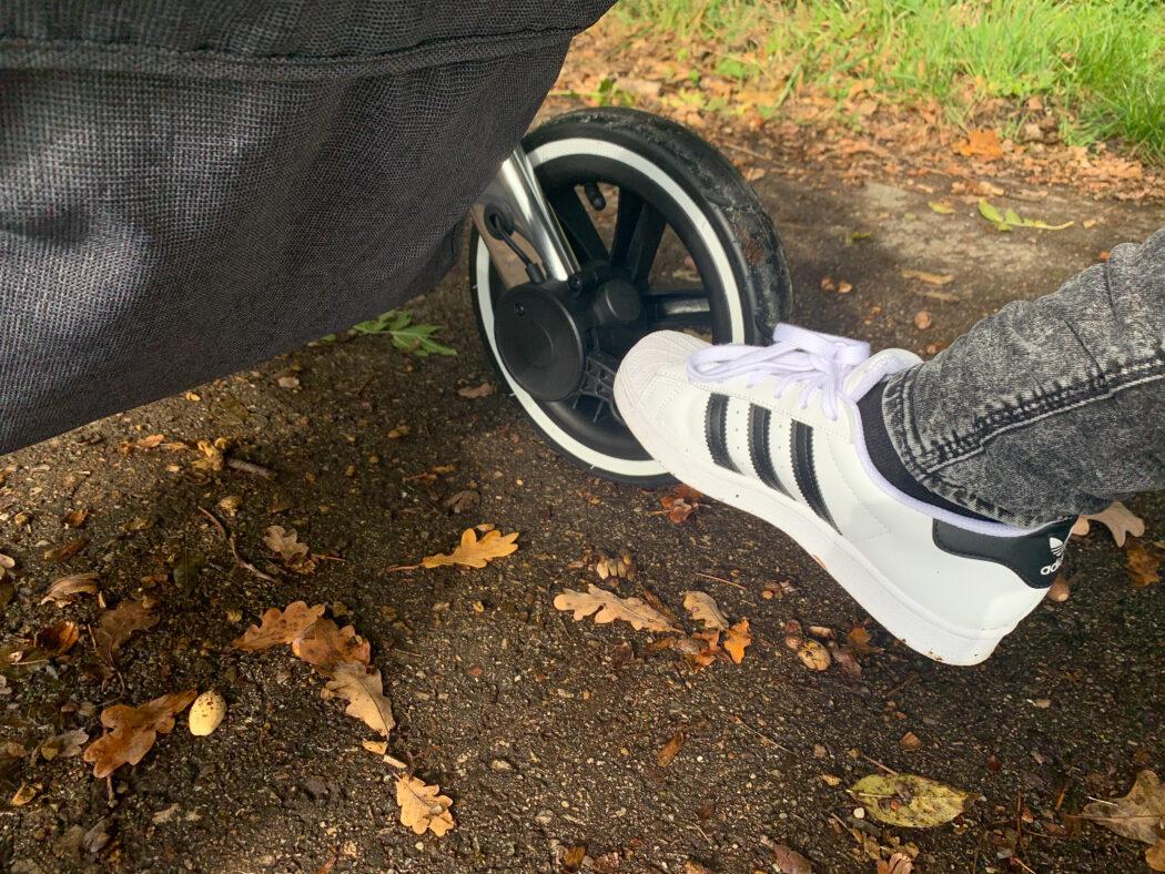 Fußbremse seitlich ABC Salsa 4 Air Kombi-Kinderwagen