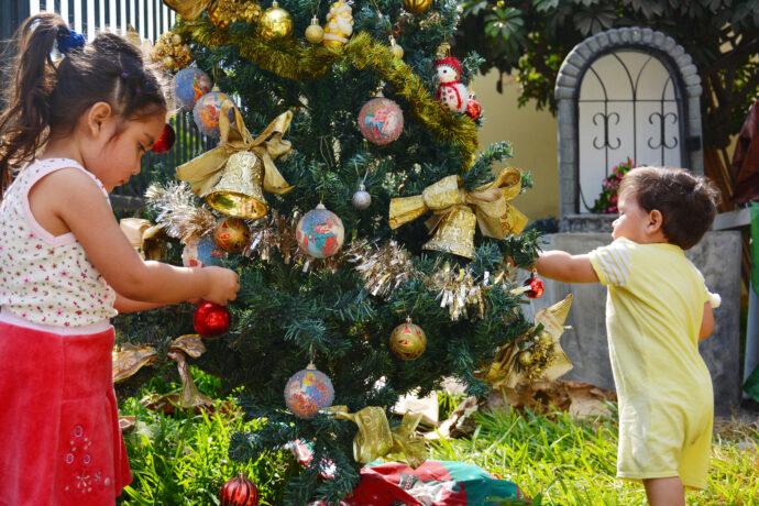 weihnachtsbraeuche kinder traditionen weihnachten welt ausland