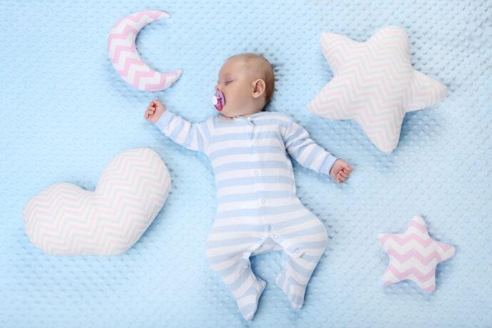 baby nachts anziehen so ist es richtig