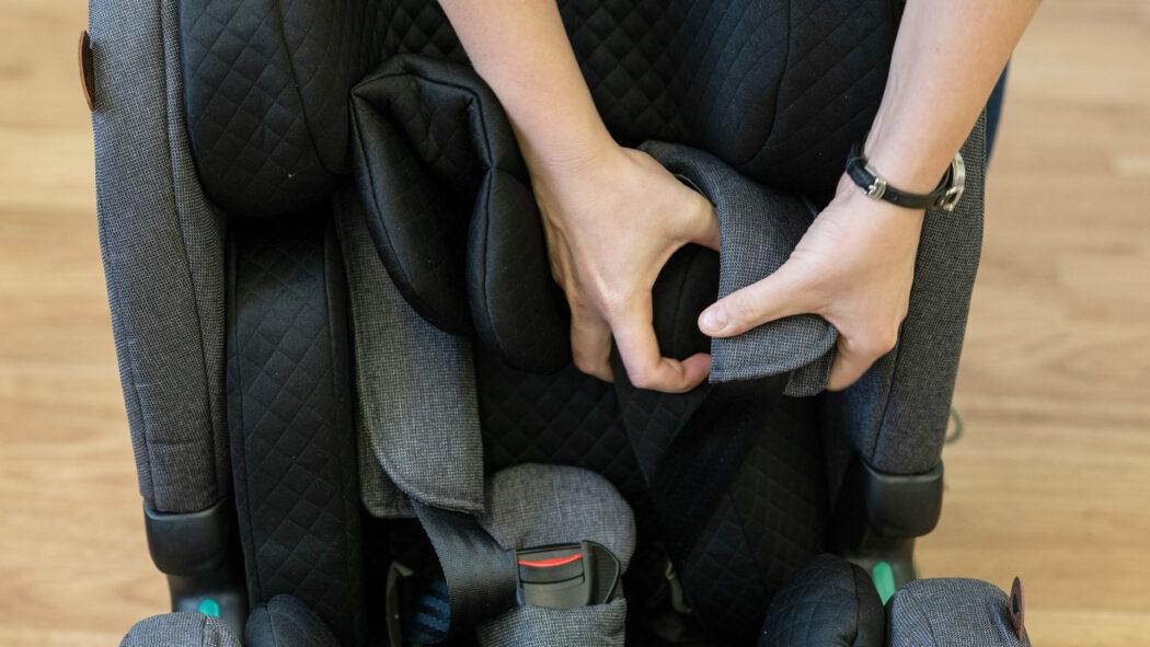 Kindersitz-Test Gurt mit Schutz