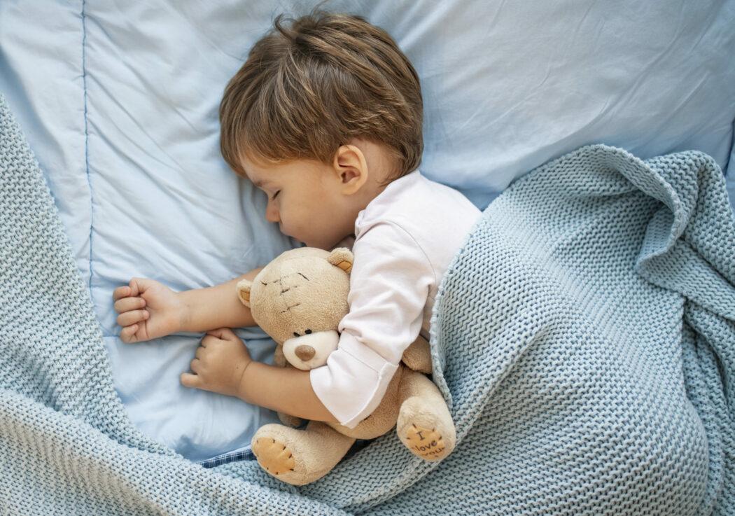 kleinkind nachts trocken werden alter, probleme, nachts windelfrei, nachts windel weglassen ab wann, nachts sauber werden
