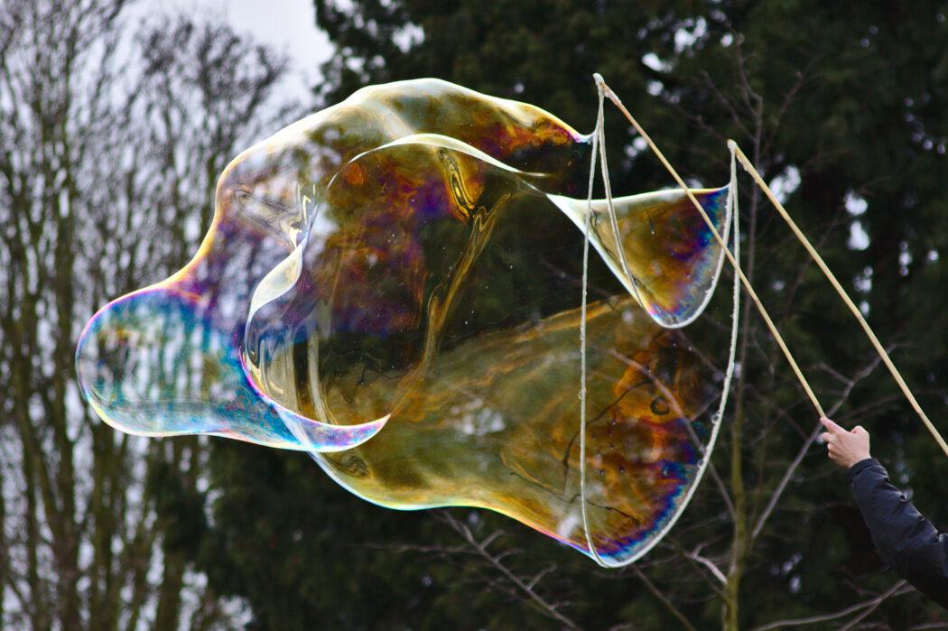 riesenseifenblasen, seifenblasen selbermachen, experimente für kinder