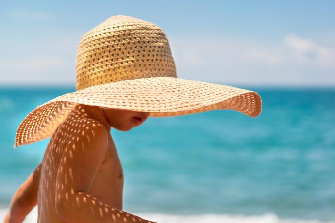 Sonnenallergie beim Kind erkennen, verhindern und behandeln