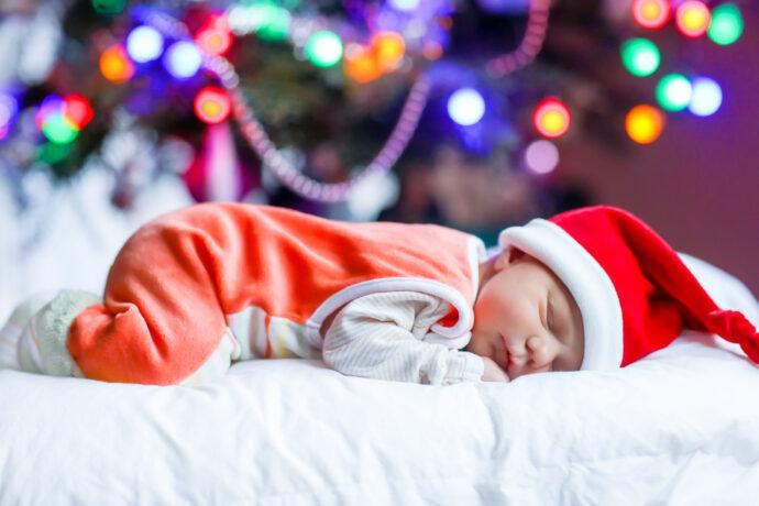 erstes weihnachten mit baby planen, weihnachten mit kleinkind, tipps, stress vermeiden feiertage