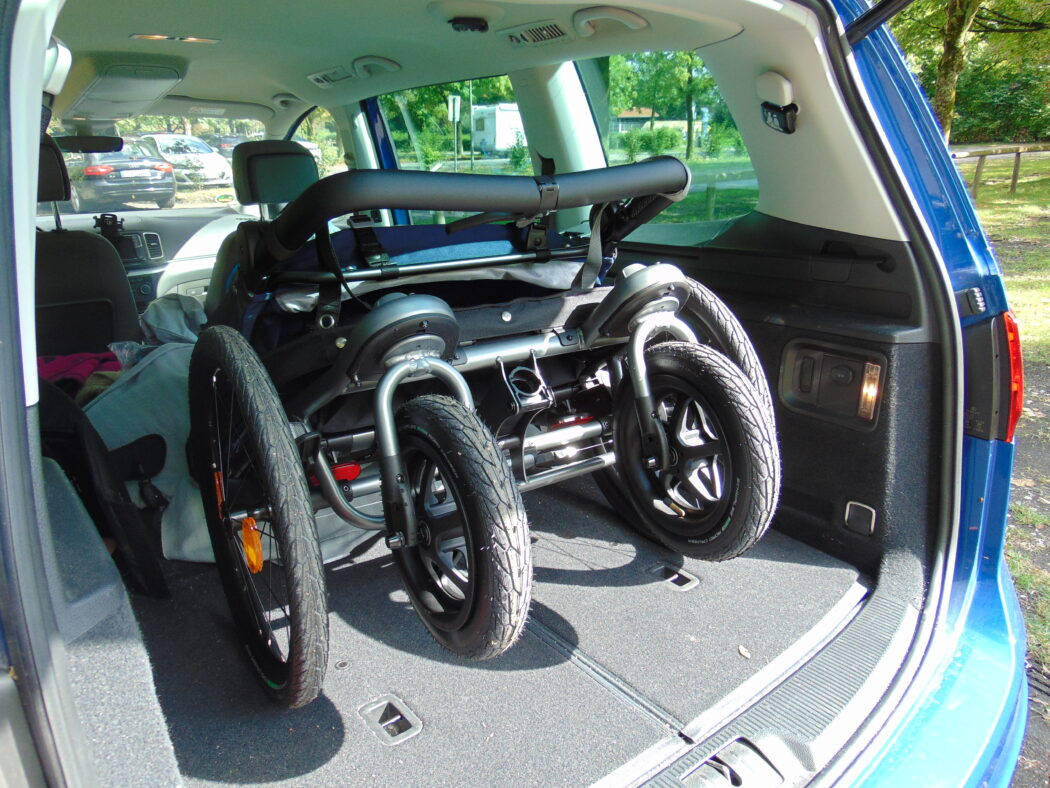 tfk velo 2 kofferraum, tfk velo 2 zusammengeklappt, tfk fahrradanhänger transport