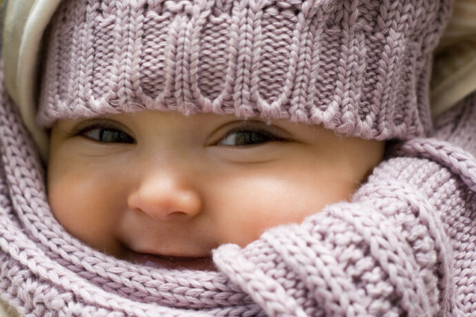 baby mit wintermuetze